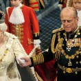 Britain's Queen Elizabeth and Prince Philip walk through the Royal Gallery in the Palace of Westminster during the State Opening of Parliament, London, November 18, 2009.   REUTERS/Carl De Souza/Pool     (BRITAIN ROYALS POLITICS SOCIETY ENTERTAINMENT)