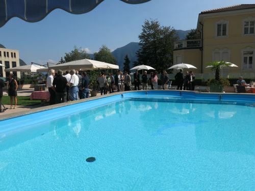Delfino 8 piscina x