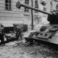 budapest_cold_war_pic_russian_tanks_budapest_1956