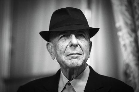 Addio a Leonard Cohen, cantautore che ispirò anche Fabrizio De André