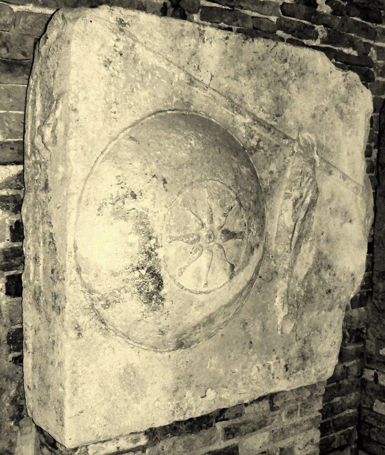 Alessandro Magno? Potrebbe esser sepolto (e venerato) a ...