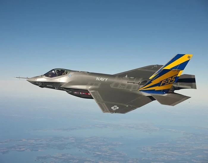 comunisti contro USA e F-35